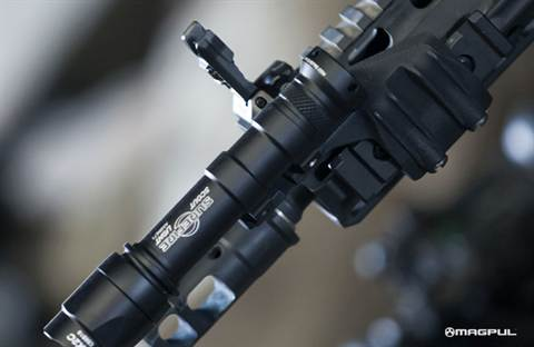 MAGPUL LEFT SIDE Rail Light Mount